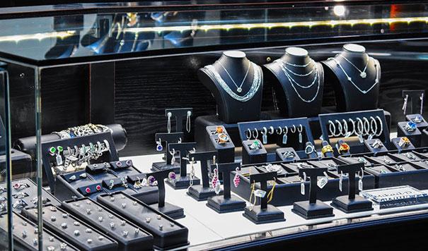 Testa Jewelers Slider